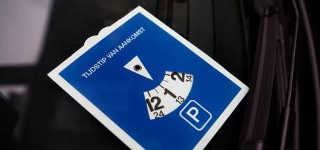 Blauwe parkeerzone Korte Akkeren in Gouda deels op de schop