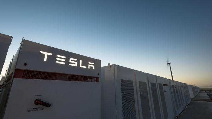 De grootste batterij ter wereld heeft een vermogen van 100 megawatt.