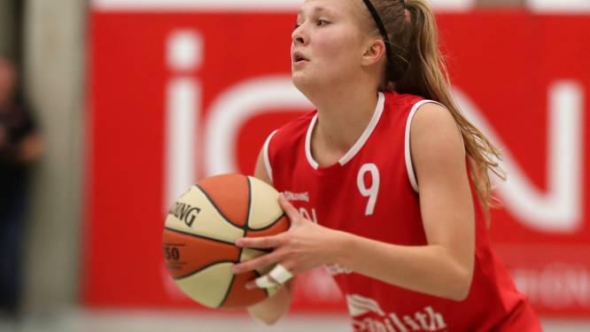 """Sanne Desplenter staat met Basket Waregem voor zware bekeropgave tegen Castors Braine: """"Veertig minuten vechten voor elke bal"""""""