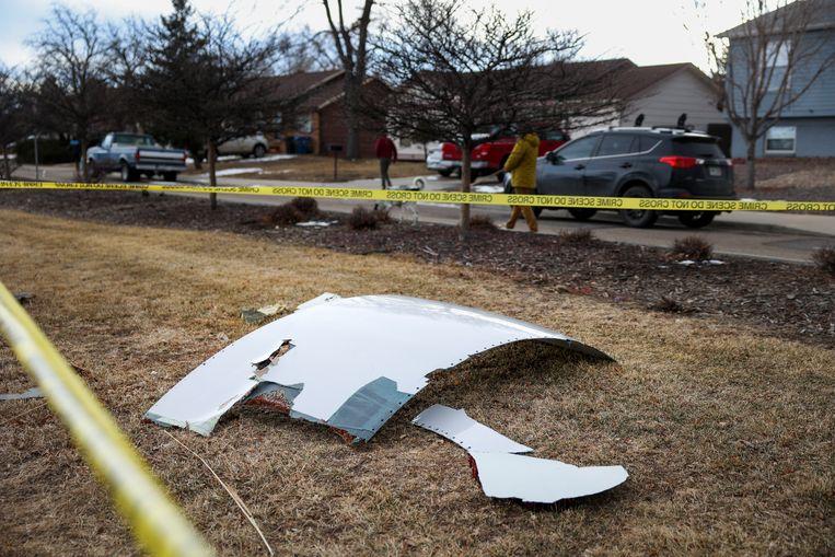 Een deel van de brokstukken van een Boeing 777 kwamen in een woonwijk in Denver terecht. Beeld Getty Images