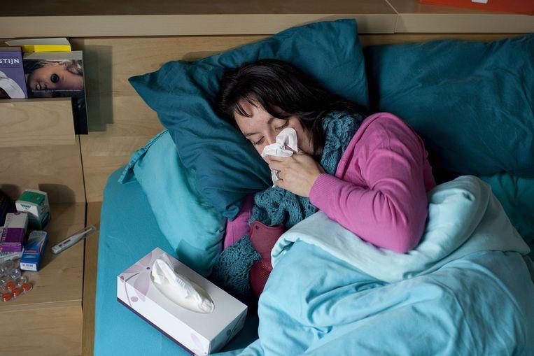 Een uurtje te weinig nachtrust zou je al drie keer zo bevattelijk voor een verkoudheid maken. Beeld ANP XTRA