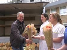 Opsteker voor ziekenhuispersoneel in Eindhoven en Helmond: 'Ik ben blij dat bloemen zo niet verloren gaan'