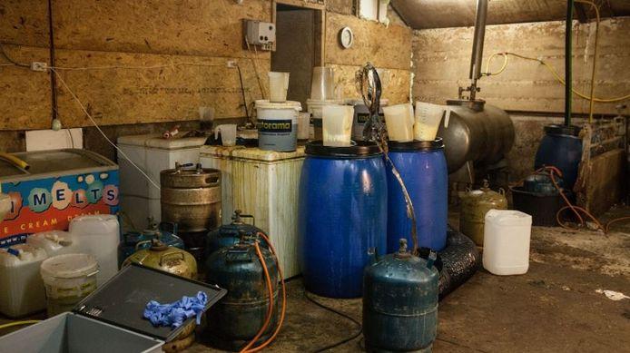 Het drugslab in Mill van binnenuit. Foto gemaakt door de politie.