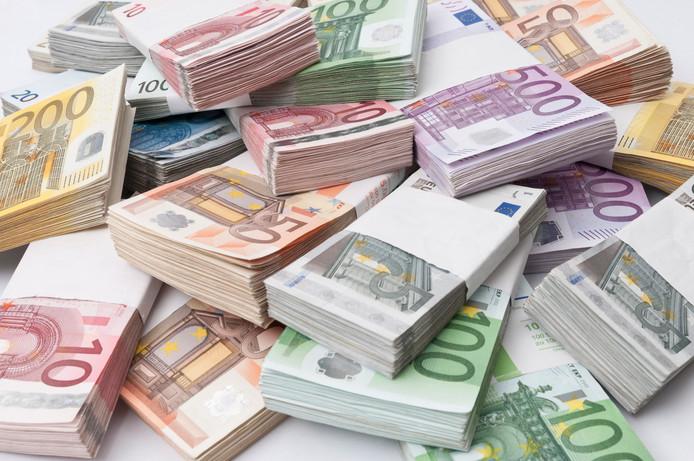 Quelque 174 milliards d'euros belges demeurent à l'étranger.