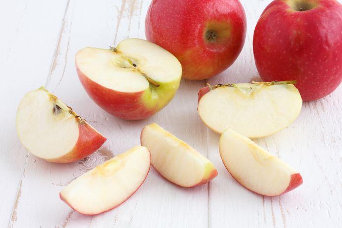 Waarin zit meer vitaminen: fruit dat je zelf snijdt of voorgesneden fruit uit de supermarkt?