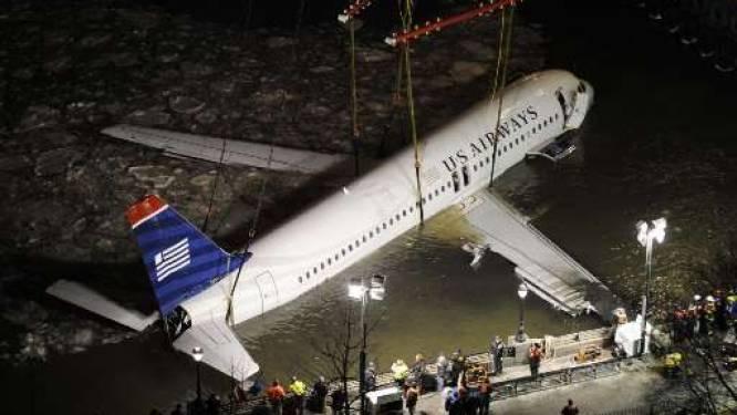 Vliegtuigwrak in rivier Hudson geborgen