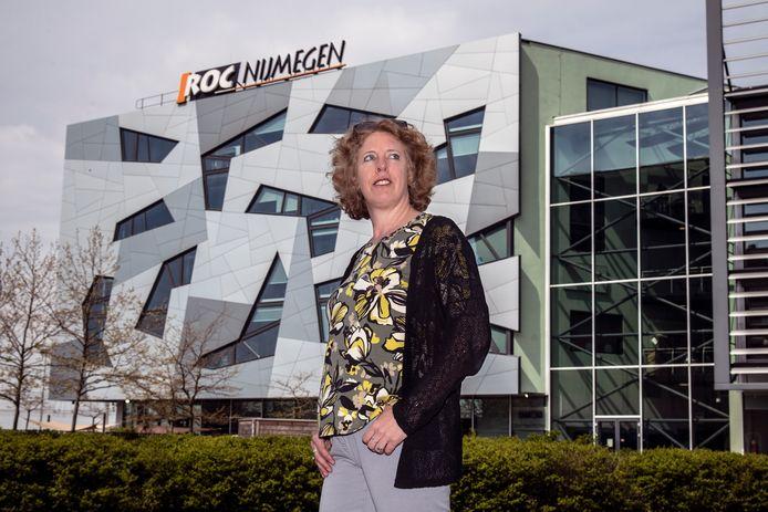 Paula van Manen bij haar voormalige werkgever, ROC Nijmegen.