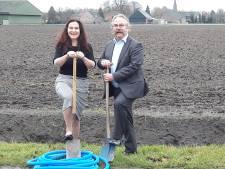 Heijnen uit Heerle gaat glasvezel in Roosendaals buitengebied aanleggen... op 60 centimeter
