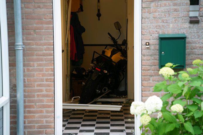 De leerling reed dinsdagavond een huis binnen aan het Oosteinde in Zevenaar