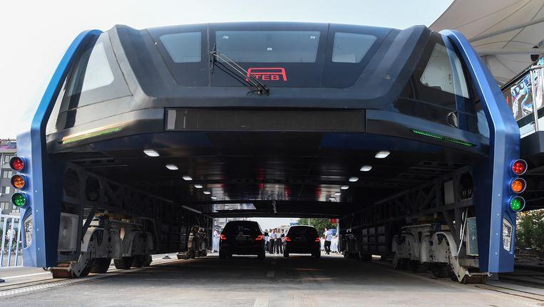Het prototype van de Transit Elevated Bus werd op 2 augustus getest.