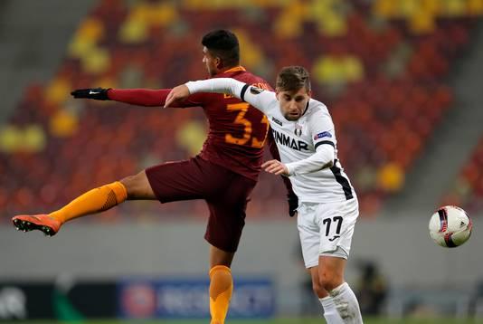 Emerson Palmieri in actie tijdens de Europa League