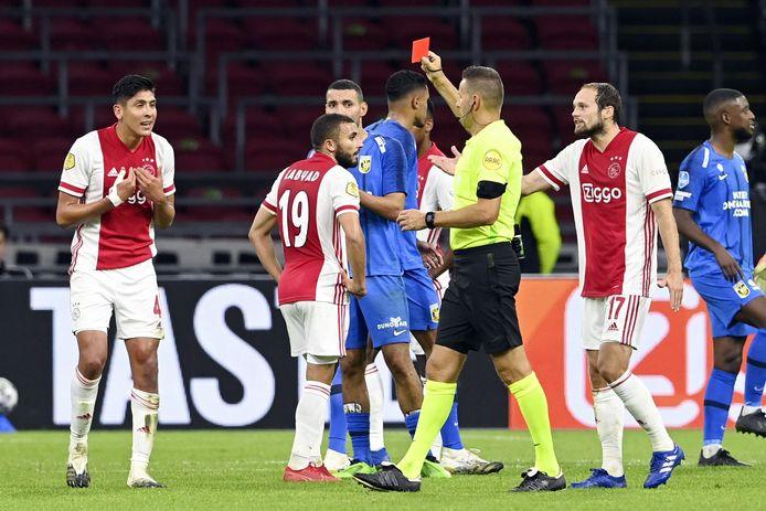 Eerder dit seizoen won Ajax met 2-1 van Vitesse, ondanks dat Edson Álvarez vlak voor rust een rode kaart ontving.