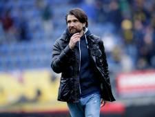 NAC-trainer Hyballa: 'Normaal gedrag kan je vergeten in de voetbalwereld'