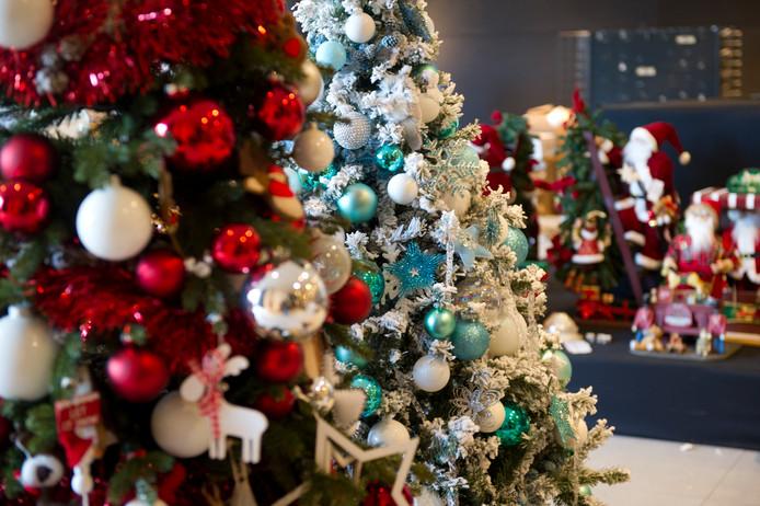 De Kerstwinkel aan de Grote Markt in het oude pand van V&D.