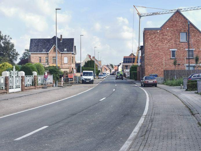 De Torhoutsestraat in Ruddervoorde zal drie weken onderbroken zijn voor het verkeer.