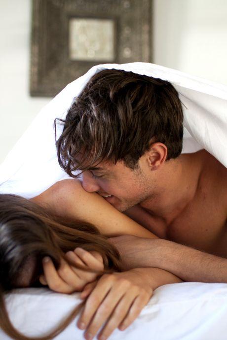 Les trois astuces d'une sexologue pour atteindre l'orgasme en même temps que son partenaire