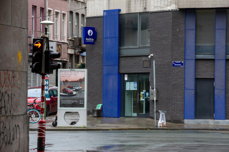 De politie van Schaarbeek en het parket geven over het lopende onderzoek voorlopig geen verdere informatie. Beeld BELGA