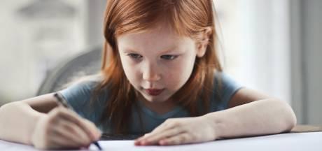 Kinderen doen er steeds langer over om te leren schrijven. Coronajaar maakt het erger