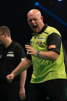 Ontketende Michael van Gerwen slaat genadeloos hard toe in Premier League Darts