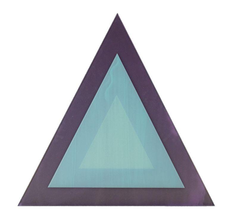 Philipp Gufler, 'Kobaltviolett, dunkel Kobaltgrün, blaustichtig A'. Zeefdruk op spiegel, 82,4 x 84 cm (2020).  Beeld Tom Haartsen