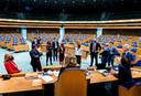 2021-04-15 17:02:46 DEN HAAG - Fractievoorzitters in gesprek met kamervoorzitter Vera Bergkamp in de Tweede Kamer tijdens een debat over de ontwikkelingen rondom het coronavirus. ANP BART MAAT