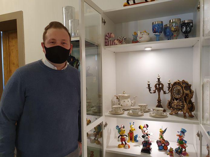 Yens Gevers is de uitbater van Lux Treasures op de Vrijheid en verkoopt er onder meer enkele unieke stukken van Disneyfilms.