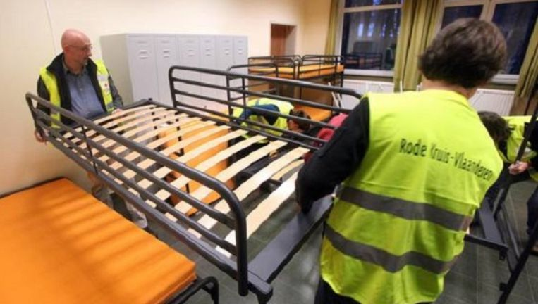 Archiefbeeld van het asielcentrum, toen er extra bedden werden geplaatst voor de asielzoekers. Beeld Moors