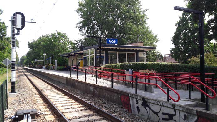 Het stationsgebouw van Soest-Zuid.