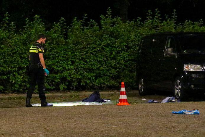 De politie onderzoekt de schietpartij.