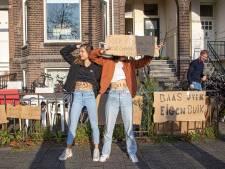 Demonstratie bij abortuskliniek Zwolle, tegenprotest met waterpistolen