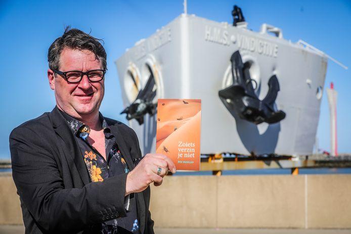 Piv Huvluv uit Oostende schreef het boek 'Zoiets verzin je niet'.