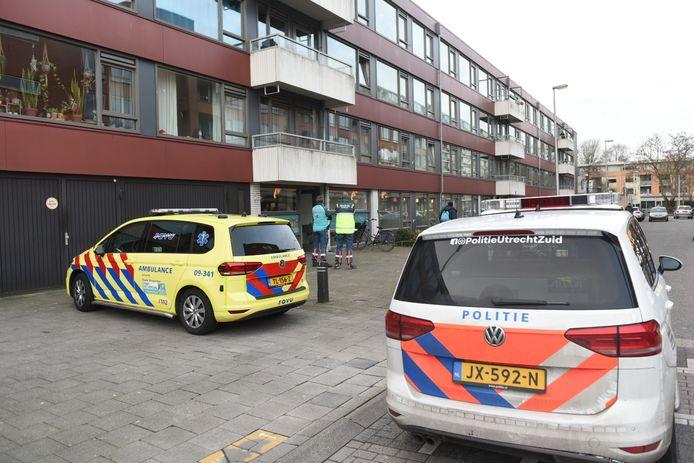 Diverse hulpdiensten rukten uit naar de wijk Overvecht na melding van een schietpartij.
