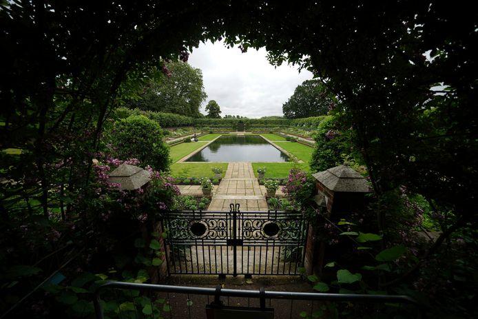 De Sunken Garden van Kensington Palace werd opnieuw aangelegd ter ere van Diana. Op deze plek wordt het standbeeld straks geplaatst.