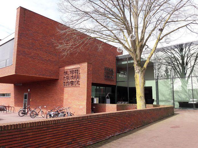 In het Elckerlyc in Hilvarenbeek zijn de vrijwilligersprijzen uitgereikt.