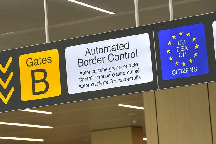Contrôle frontière à l'aéroport de Zaventem.