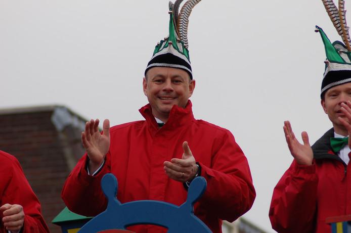 Prins Thijs d'n Urste tijdens de optocht vorig jaar in Kraaienland.