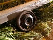 Arnhemmer crasht in weiland op vlucht voor politie en belt niet 112 voor zwaargewonde vriendin maar appt zijn ouders