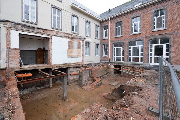 De renovatie van de Bernardusabdij is in volle gang.