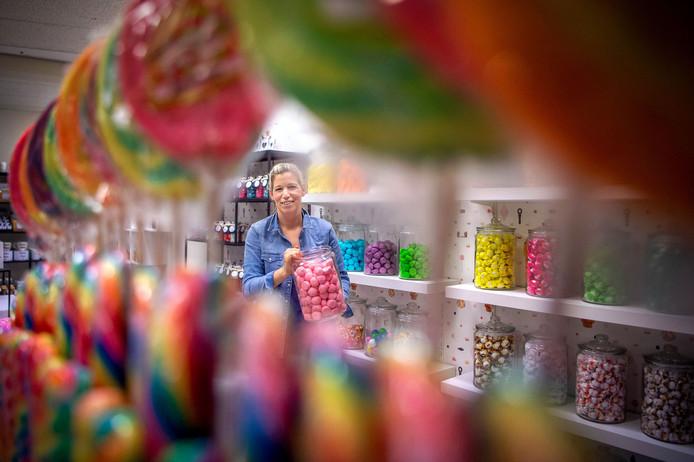 Anke Driessen opent bij haar speelgoedwinkel een snoepzaak in Wijchen: Snoepkontje.