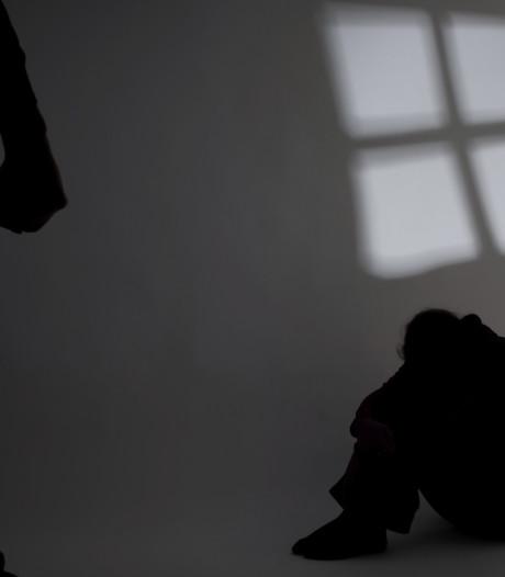 Man uit Den Bosch mishandelt partner op kade in Vlissingen: vrouw naar ziekenhuis