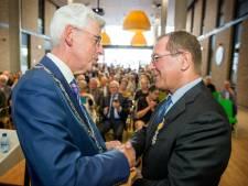 Admiraal uit Den Dungen onderscheiden voor zijn medische vakmanschap
