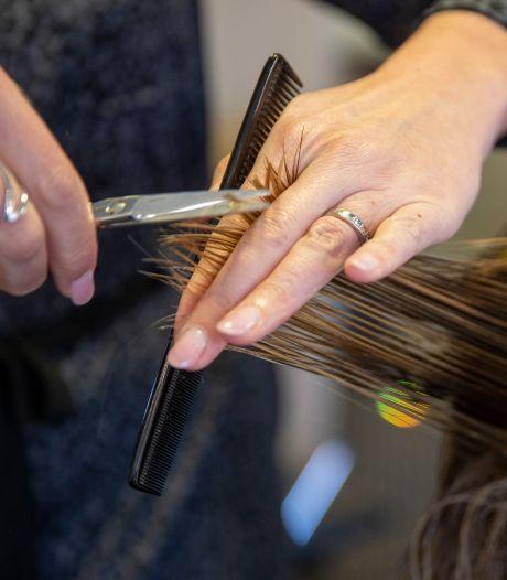 Les photographes et les coiffeurs à domicile peuvent retravailler dès lundi