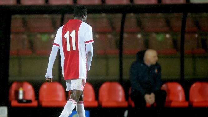 Van kwaad naar erger met Hassane Bandé: Jong Ajax onderuit na rood voor ex-KV Mechelen-aanvaller