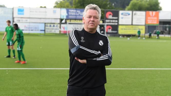 """Nieuwbakken coach Gunter Arijs ziet E. Houtem uur standhouden tegen tweedenationaler: """"In positieve zin verrast door ploeg"""""""