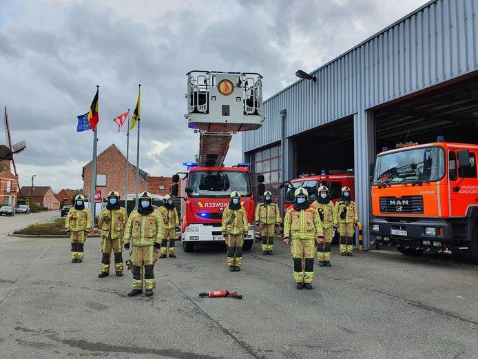 De brandweer van Rijkevorsel bracht een eerbetoon aan Georges Kooymans.