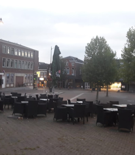 Explosief voor de deur bij café Dak van de Markt in Veenendaal: 'Geen idee in welke hoek we moeten zoeken'