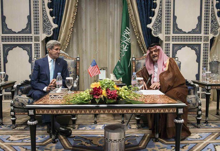 John Kerry schuimt het Midden-Oosten af naar een regionale coalitie tegen IS. Beeld REUTERS