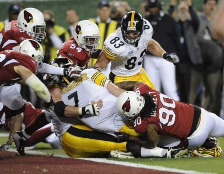 De Pittsburgh Steelers (in het wit) klopten de Arizona Cardinals uiteindelijk toch met 27-23. Beeld UNKNOWN