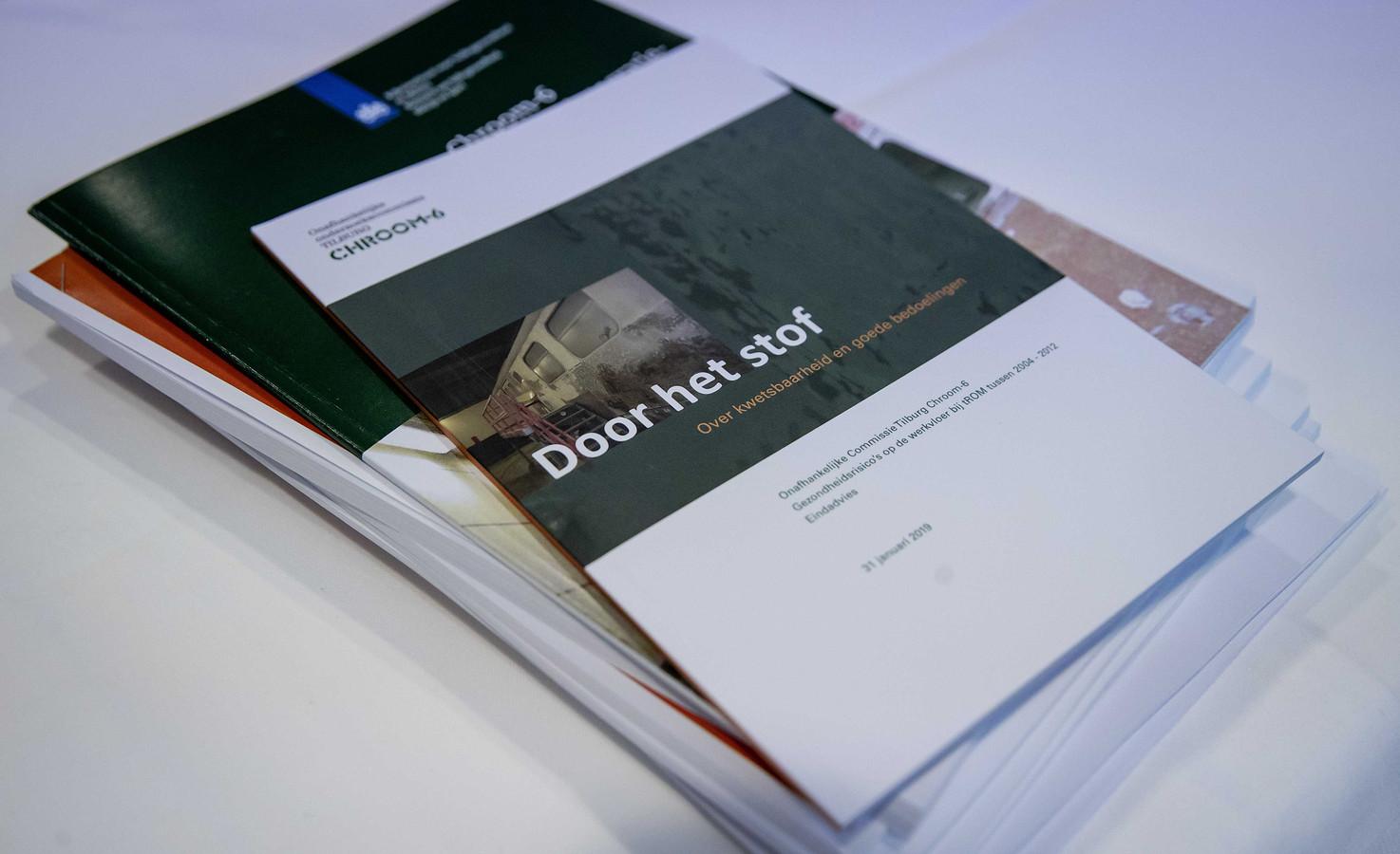 """""""Door het stof"""" is de naam van het rapport  dat vanmorgen werd gepresenteerd door de onderzoekscommissie Tilburg Chroom-6"""