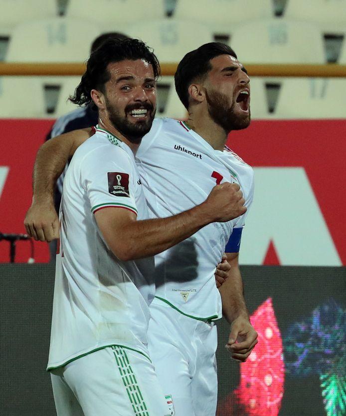 Alireza Jahanbakhsh (rechts) is uitzinnig na zijn 1-1.